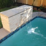 Waterfeature with stainless steel water spout